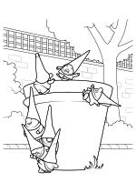 Раскраска - Шерлок Гномс - Гномы играют в саду